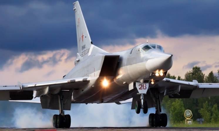 NATO cere Rusiei să renunțe la Crimeea, Putin amplasează noi bombardiere strategice și nave militare