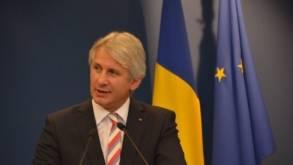 Teodorovici: CEC lucrează la un produs prin care românii din străinătate vor putea trimite bani acasă fără comision