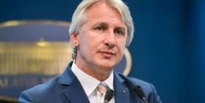 Teodorovici: Angajaţii ANAF şi ai Ministerului Finanţelor duc greul acestei economii