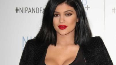 Kylie Jenner a devenit cea mai tânără miliardară. L-a depășit pe Mark Zuckerberg
