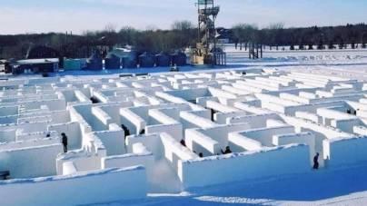 Acesta este cel mai mare labirint de zăpadă din lume