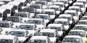 Martie reduce declinul accentuat al pieței autoturismelor noi
