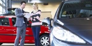 Deloitte: Jumătate dintre consumatorii europeni vor amâna cumpărarea unui vehicul nou