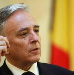 Mugur Isărescu: Când economia creşte cu 4% nu pot crește pensiile cu 40%