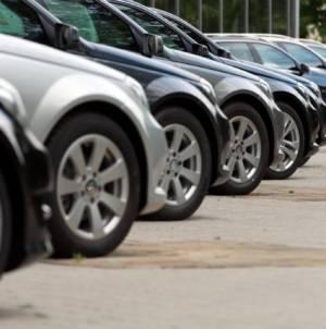 Piața auto britanică a înregistrat cea mai amplă scădere după al doilea război mondial. Probleme majore pentru producători