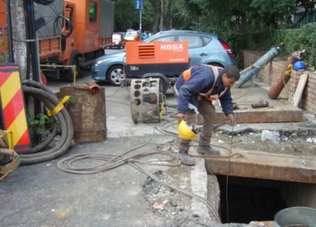 ELCEN: Locuitorii din București nu au apă caldă și căldură din cauza avariilor din rețeaua aflată în responsabilitatea PMB