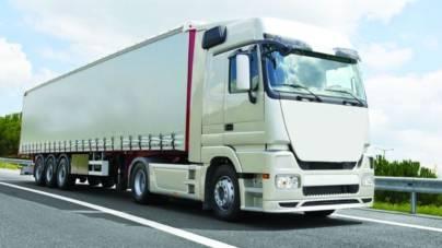 România exportă și importă în special pe șosea, deși nu are autostrăzi