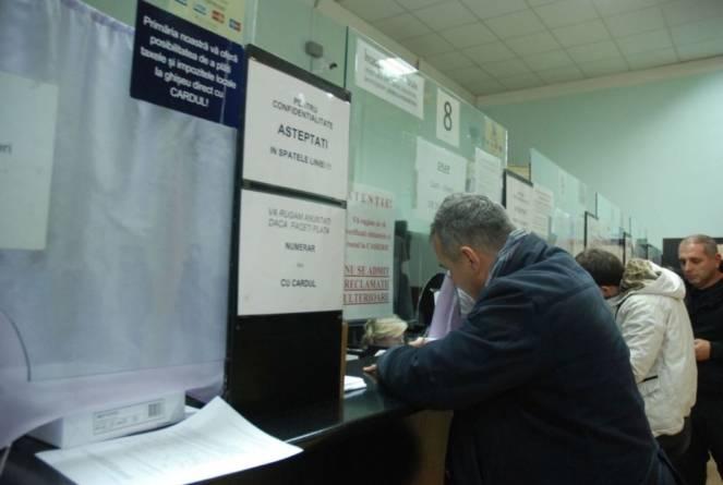 Două din cinci gospodării din România suportă cu dificultate cheltuielile curente