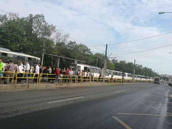 Gabriela Firea își menține intenția de a muta autobuzele pe linia de tramvai