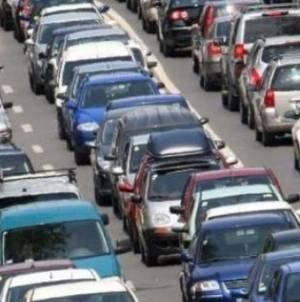 Probleme de trafic pe toate principalele artere către București