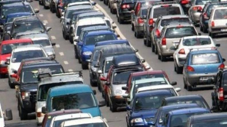 Studiu: Șoferii români admit că încalcă regulile de circulație aproximativ o dată pe lună
