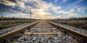 Viteza medie pe rețeua de căi ferate a României este de 68,86 km/h deși viteza proiectată este de 86,30 km/h