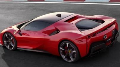 """VIDEO Ferrari tocmai a prezentat ceea ce numește """"cea mai puternică mașină de stradă a «căluțului cabrat»"""""""