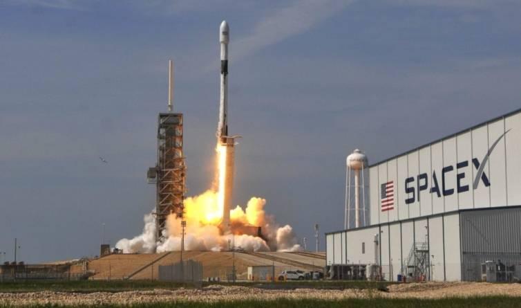 Încă 60 de sateliți Starlink au ajuns pe orbită. Sunt programate alte peste 20 de lansări