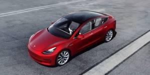 Tesla Model 3 urcă pe locul doi în clasamentul vânzărilor din Europa în iunie. Dacia Sandero se află pe 3
