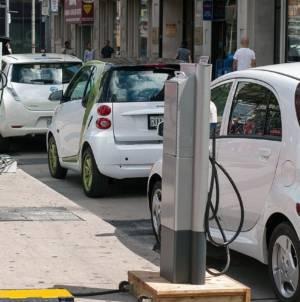 """CE, somată să impună instalarea de stații de încărcare pentru mașini electrice: """"România are doar 0,2% din total"""""""