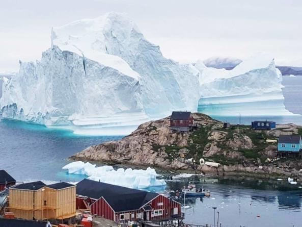 Trump, luat în râs pentru ideea de a cumpăra Groenlanda de la danezi