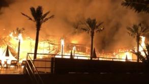 Un club din Mamaia a ars din temelii azi-noapte  VIDEO