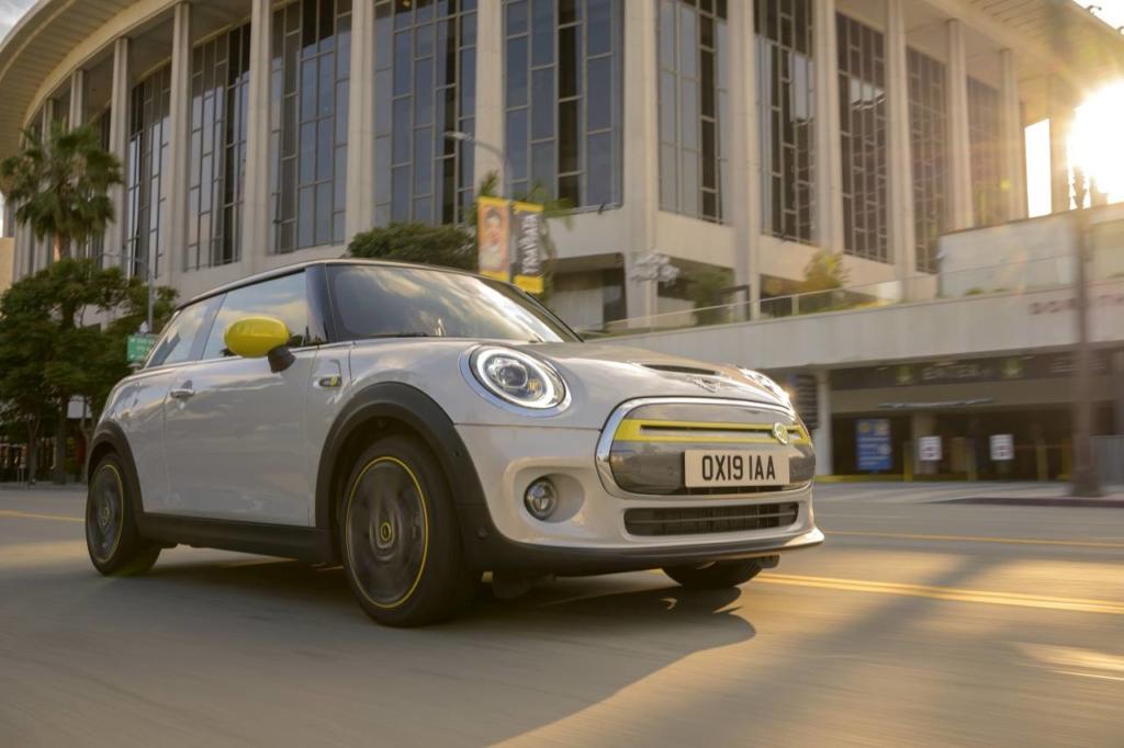 mașini electrice Mini Cooper SE