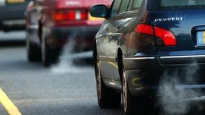 Comisia Europeană are în plan interzicerea vânzărilor de mașini convenționale din 2035