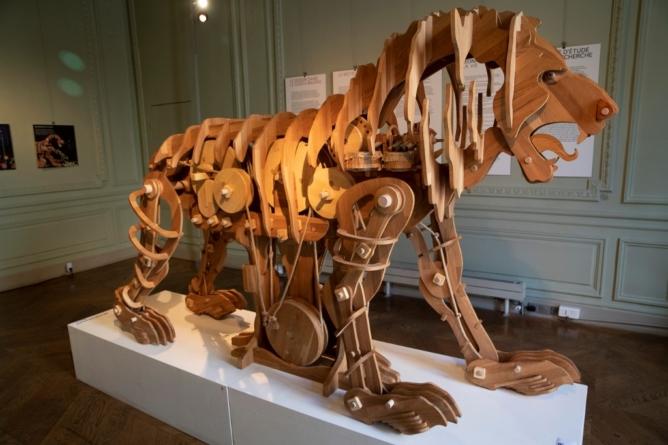 Leul mecanic al lui Leonardo a prins viață