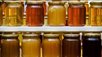România, unul dintre cei mai importanţi producători, importă anual peste 3.000 de tone de miere