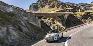 Mini Cooper SE, prezentat pe site-ul de presă BMW cu fotografii făcute în România