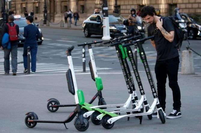 Agenție germană: Trotinetele electrice ar fi mai utile la marginea orașelor decât în centru