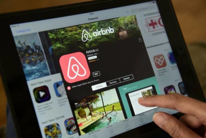 Noi reguli pentru proprietarii de unităţi turistice care utilizează Booking.com sau AirBnb