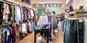 Controverse pe piața produselor de lux: Burberry se deschide către zona second-hand, alte mărci condamnă tendința