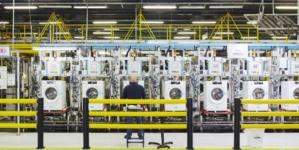 Americanii de la Whirlpool închid fabrica din Napoli. Șomajul ridicat din zonă va fi alimentat cu încă 450 de persoane