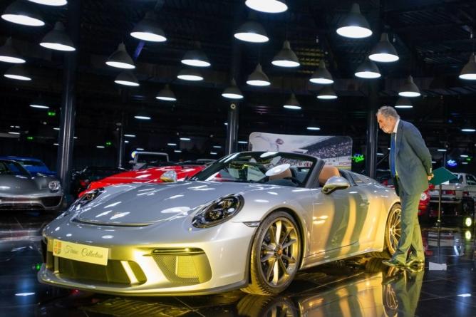 Ion Țiriac și-a îmbogățit colecția de mașini cu două Porsche 911 Speedster