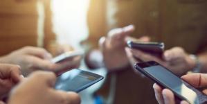 Crește piața smartphone. Cine sunt liderii