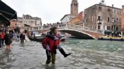 Nouă maree la Veneția. Orașul, inundat în proporție de 70%
