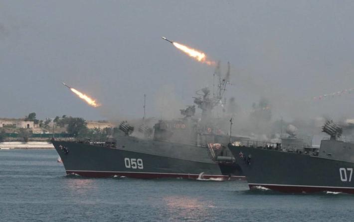 Șeful marinei ucrainiene: Rusia controlează întregul bazin al Mării Negre și își sporește echipamentele militare