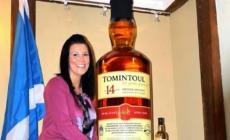 Cea mai mare sticlă de whisky din lume are 105 litri și ar putea obţine la licitație peste 15.000 de lire sterline