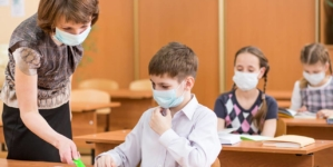 Ministrul Educaţiei: Probabil de marţi în București vor fi suspendate cursurile