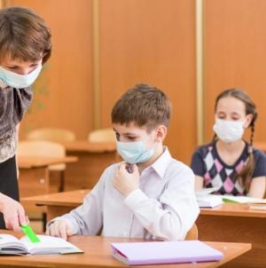 În timp ce România pare să grăbească redeschiderea școlilor, Italia anunță reluarea cursurilor abia în septembrie