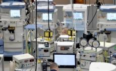 Tesla și Mercedes-Benz, primele companii care au reușit să producă sisteme de ventilație pentru serviciile medicale