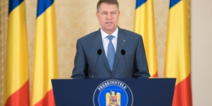 Klaus Iohannis: Trebuie să le cerem românilor din diaspora cu tristeţe, dar şi cu sinceritate, să nu vină acasă de sărbători
