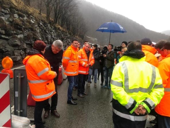 Ministrul Transporturilor despre surparea DN7 Vâlcea – Sibiu: Situația nu arată deloc bine