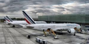 Air France și Renault vor primi împrumuturi garantate de statul francez în valoare totală de 12 mld. euro