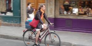 În încercarea de a stăvili aglomerația din transportul în comun, Italia oferă 500 de euro cumpărătorilor de biciclete