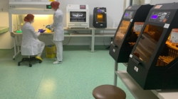 Ford, Fundația Țiriac și Rotary Craiova au oferit un aparat de testare pentru Covid-19 Spitalului Județean Craiova