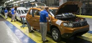 Dacia, forțată să livreze unele modele Duster fără sistem multimedia