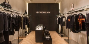 Givenchy are un nou director de design care a colaborat cu Kanye West şi Lady Gaga