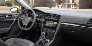 """Mașina, plătită ca un telefon mobil. Importatorul Volkswagen lansează """"abonamentul de mobilitate""""."""