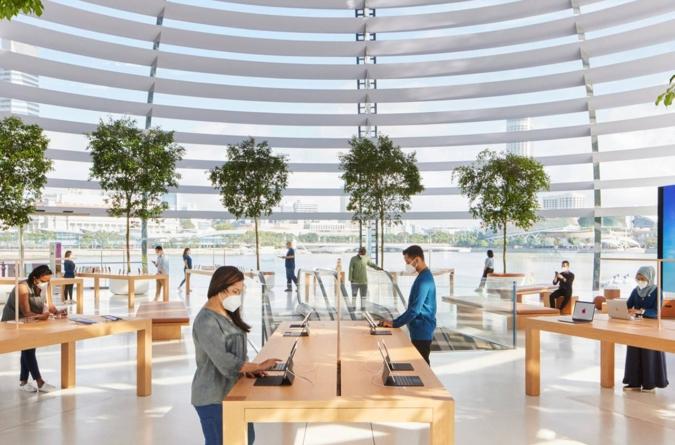 Bonusuri de 1.000 de dolari pentru angajații din magazinele Apple