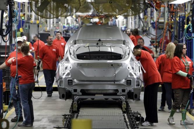România a produs cu 90.000 mai puține mașini din cauza pandemiei