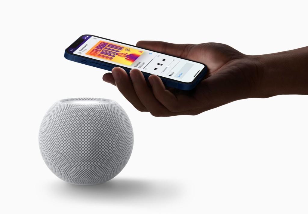 Apple iPhone 12 HomePod Mini